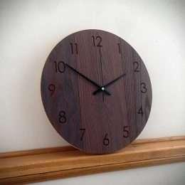 mediniai laikrodziai